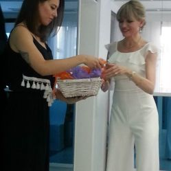 The guests were given a commemorative gift of the event by Dr. Anna Maria Yiannikos for their contribution and presence.